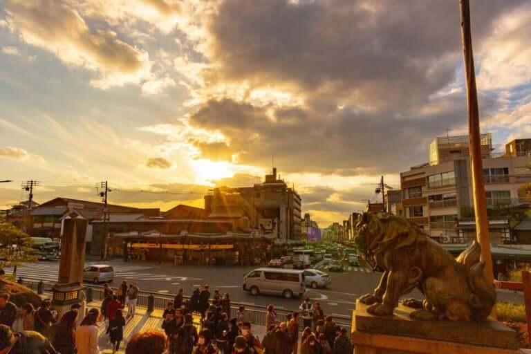 【東山区】観光地が一時騒然、29日夕方、祇園町南側の花見小路で火災が発生した模様です